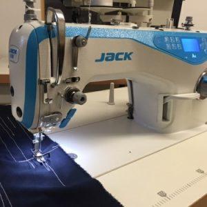 Máquina Recta Automática. «JACK A4»